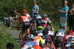 Marianne Vos ahead of the peloton