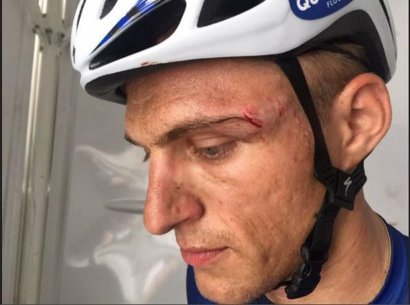 Marcel Kittel after Andriy Grivko fights with him