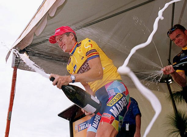 Flashback to the time Michael Rogers won the 2002 Tour Down Under on a spectator's bike