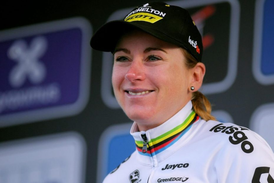 Van Vleuten holds off a fierce chase to make it a hat-trick of victories in Northern Spain