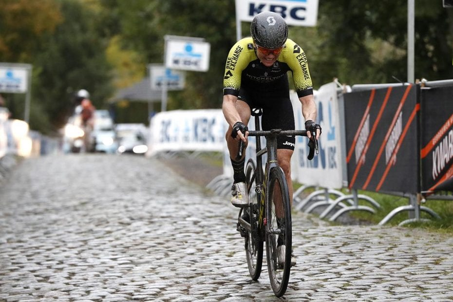 Roy fifth as Mitchelton-SCOTT go down fighting in Tour of Flanders finale