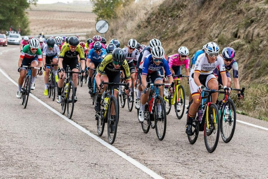 Sarah Roy grabs 10th as stage one of Madrid Challenge ends in chaotic sprint