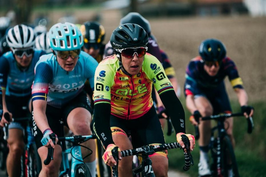 Marta Bastianelli with heart is in the top 5 at Gent-Wevelgem