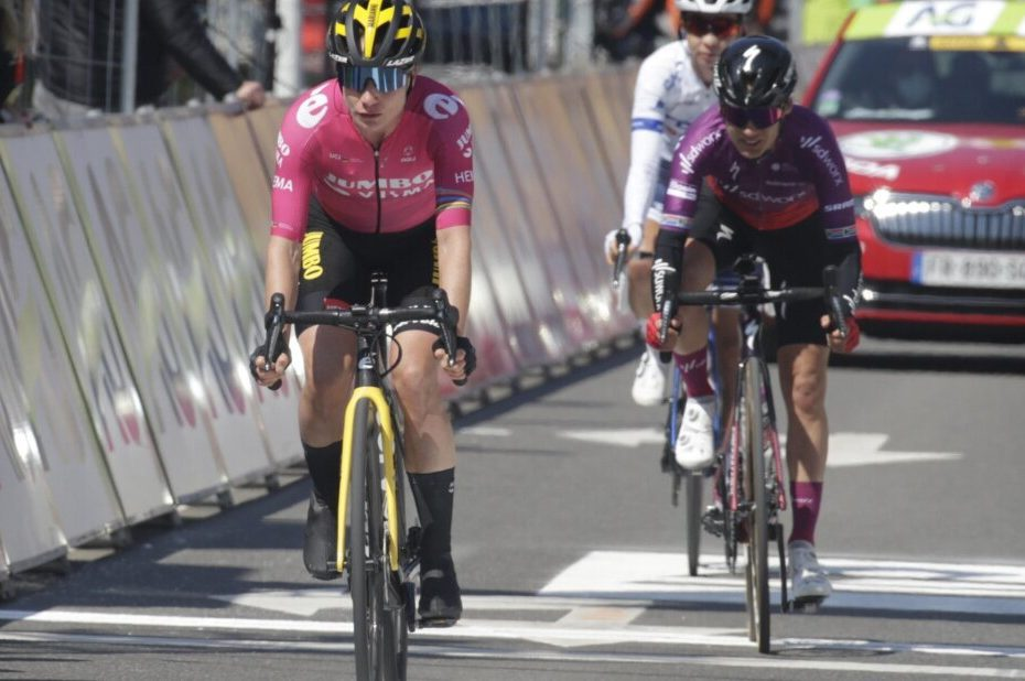 Vos sixth in Liège after tough race
