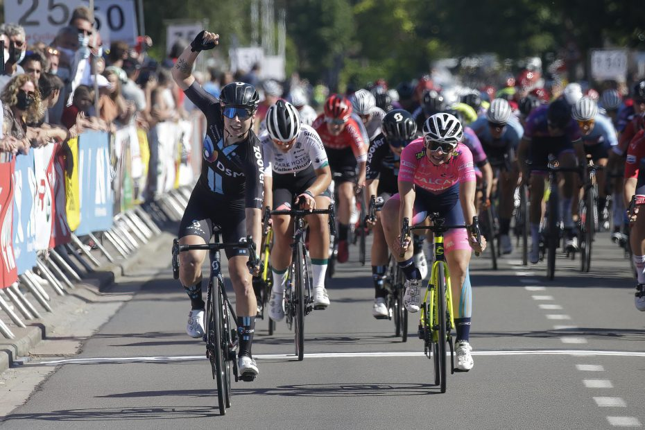 A gem of a lead out sees Team DSM and Lorena Wiebes win Flanders Diamond Tour