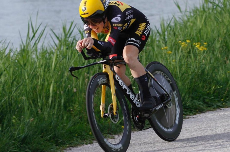 Anna Henderson takes second place in prologue Baloise Ladies Tour